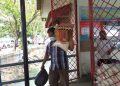Ilustrasi masyarakat pada saat membeli sembako murah, photo : Mael/detak.media