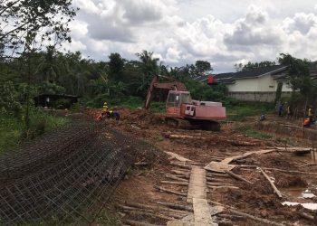 Proses Pengerjaan Pembangunan Saluran Drainase Cendrawasih Kel. Batu Sembilan