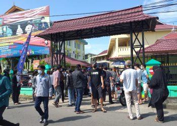 Suasana di Poltekes Kemenkes Tanjungpinang saat vaksinasi Covid-19 yang digelar oleh Lantamal IV Tanjungpinang, f : Mael/Detak.media
