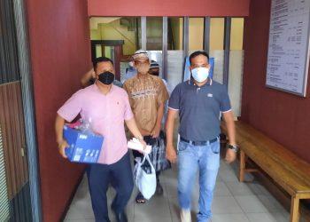 Tim Satreskrim Polres Tanjungpinang, saat membawa 3 tersangka kasus pencabulan ke Kejari, f : ist