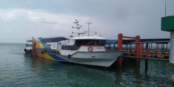 Salah-satu kapal di Pelabuhan SBP yang melayani pelayaran Tanjungpinang-Batam, f : mael/detak.media
